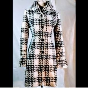 Very nice! Express flared sleeve wool coat M